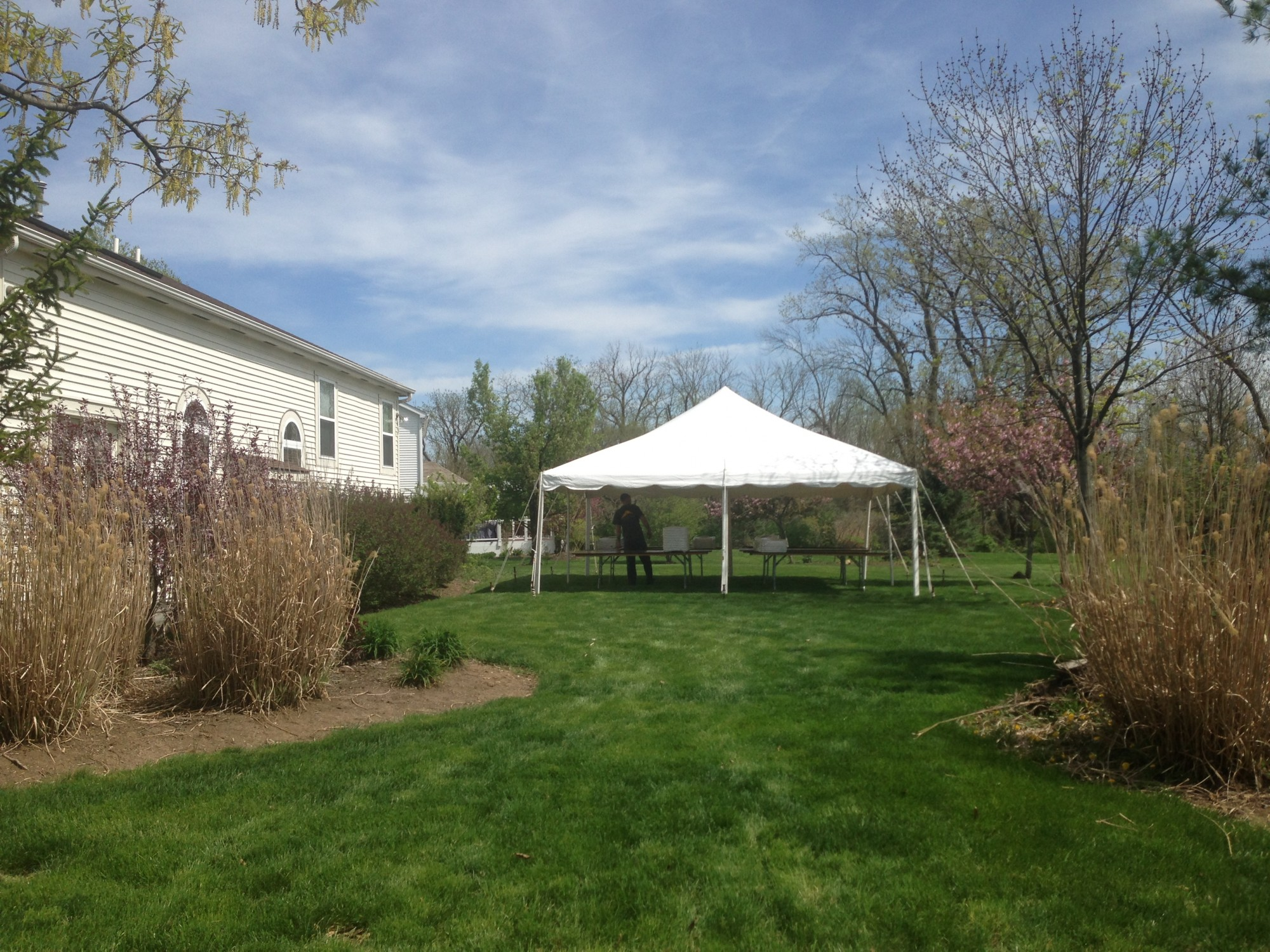 /upload/images/backyard_events/20x20_pole_tent